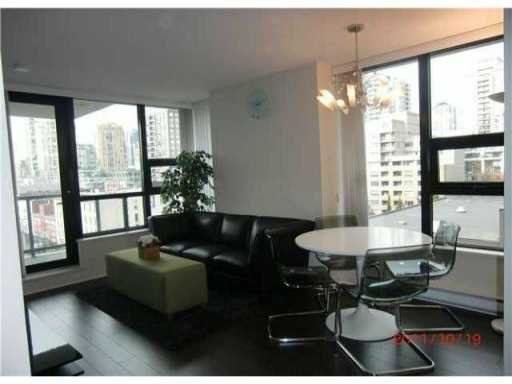 """Main Photo: 910 977 MAINLAND Street in Vancouver: Yaletown Condo for sale in """"YALETOWN PARK 3"""" (Vancouver West)  : MLS®# V926076"""