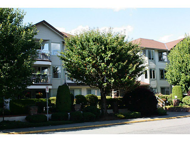 Main Photo: 202 33375 MAYFAIR Avenue in Abbotsford: Central Abbotsford Condo for sale : MLS®# F1415288