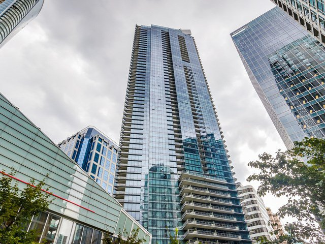 "Main Photo: 1708 1111 ALBERNI Street in Vancouver: West End VW Condo for sale in ""SHANGRI-LA"" (Vancouver West)  : MLS®# R2000747"