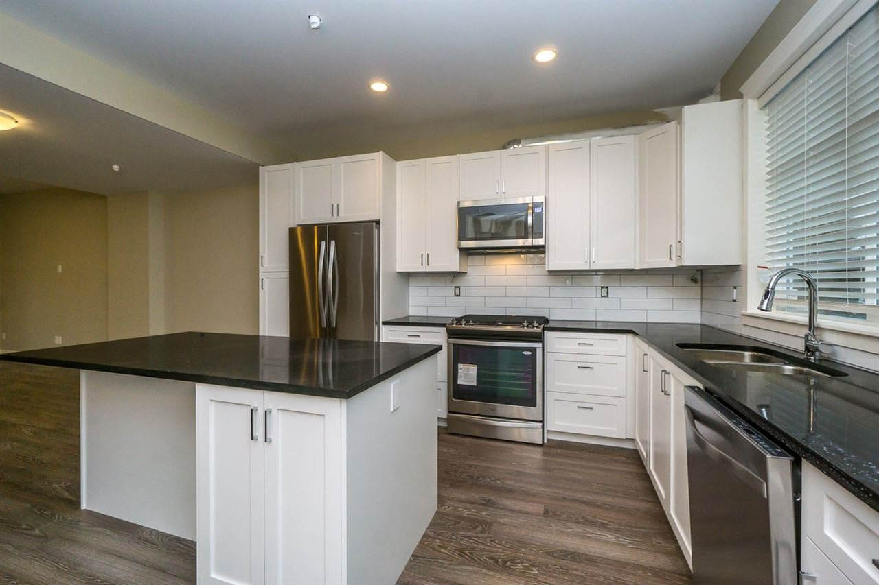 """Main Photo: 23 32921 14 Avenue in Mission: Mission BC Townhouse for sale in """"Southwynd"""" : MLS®# R2055152"""