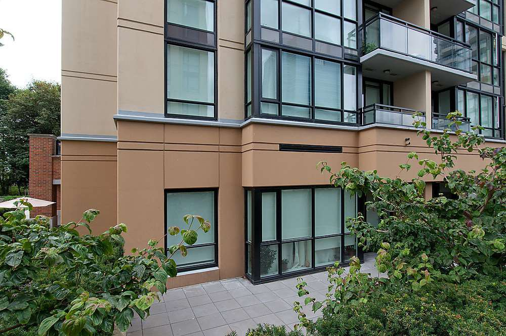 """Photo 2: Photos: 104 13380 108 Avenue in Surrey: Whalley Condo for sale in """"CITYPOINT"""" (North Surrey)  : MLS®# R2058518"""