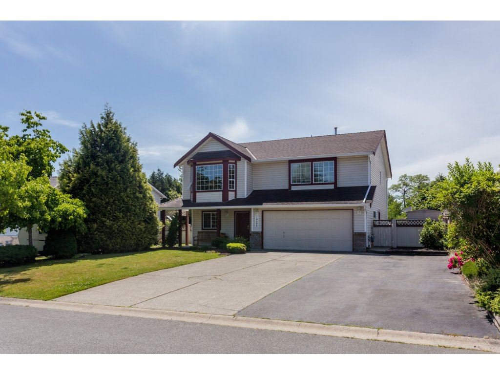"Main Photo: 18688 56A Avenue in Surrey: Cloverdale BC House for sale in ""Fairway Estates"" (Cloverdale)  : MLS®# R2078408"