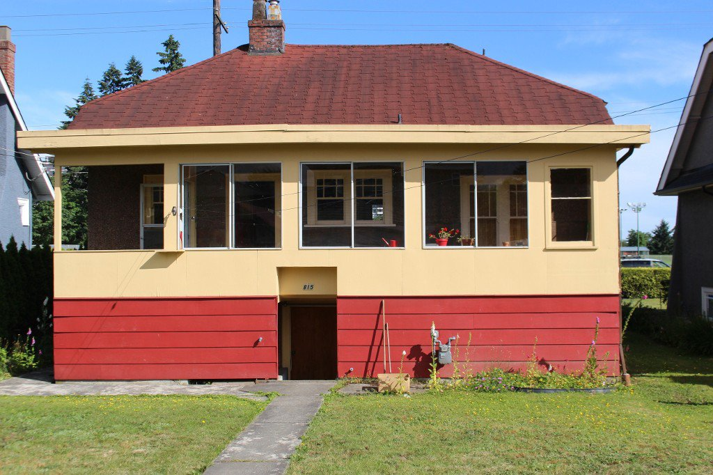 """Photo 2: Photos: 815 EIGHTH Avenue in New Westminster: Moody Park House for sale in """"MOODY PARK"""" : MLS®# R2079009"""