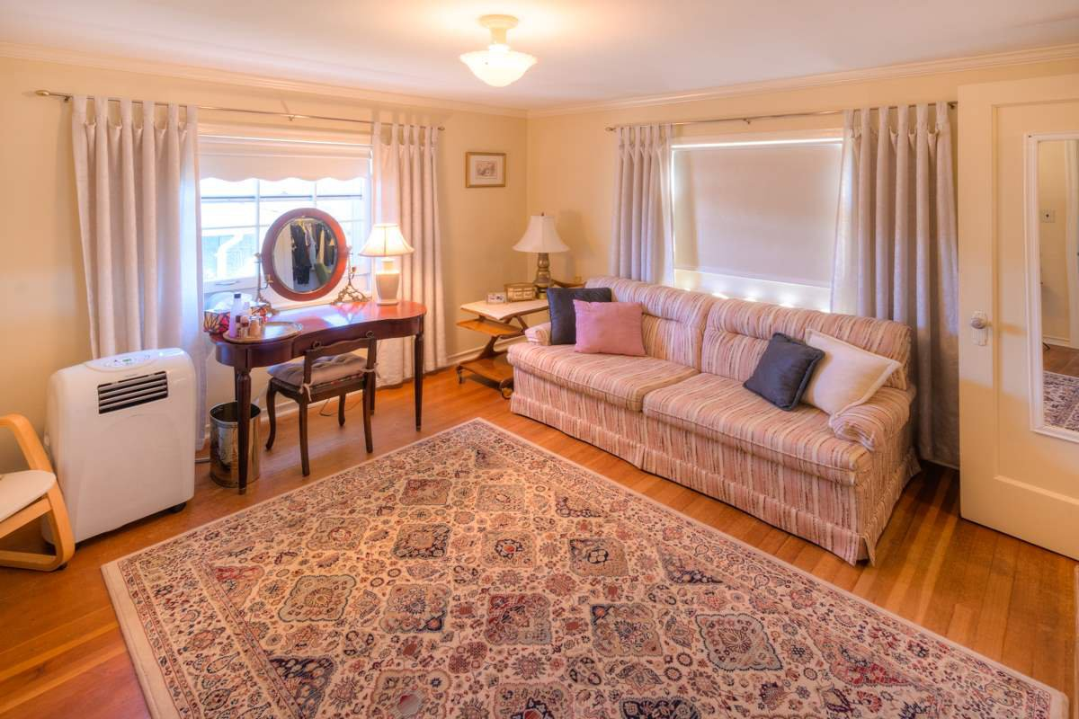 """Photo 14: Photos: 423 FOURTH Street in New Westminster: Queens Park House for sale in """"QUEENS PARK"""" : MLS®# R2116545"""