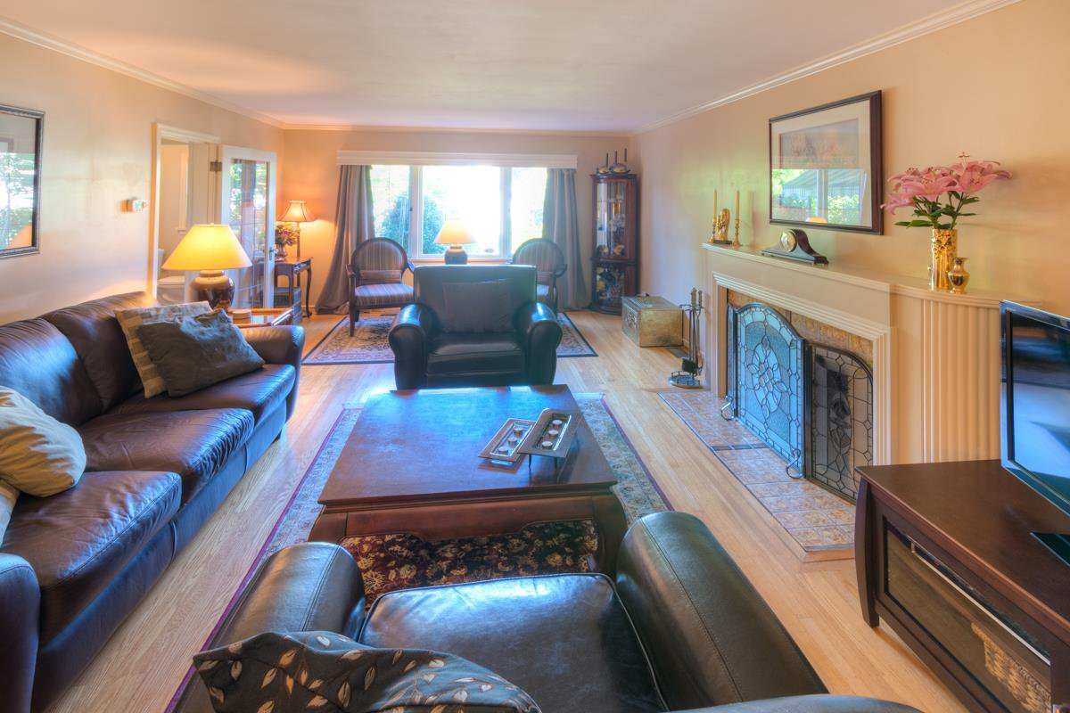 """Photo 7: Photos: 423 FOURTH Street in New Westminster: Queens Park House for sale in """"QUEENS PARK"""" : MLS®# R2116545"""