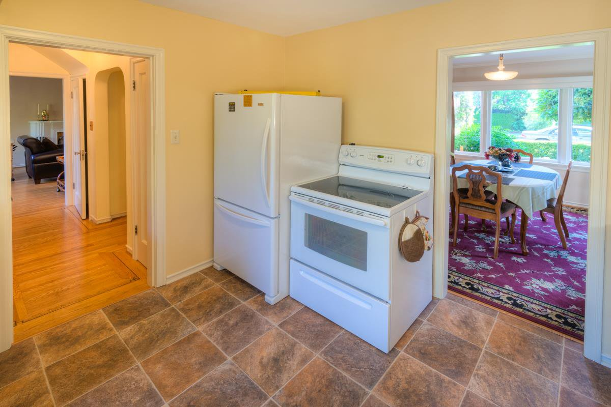 """Photo 6: Photos: 423 FOURTH Street in New Westminster: Queens Park House for sale in """"QUEENS PARK"""" : MLS®# R2116545"""
