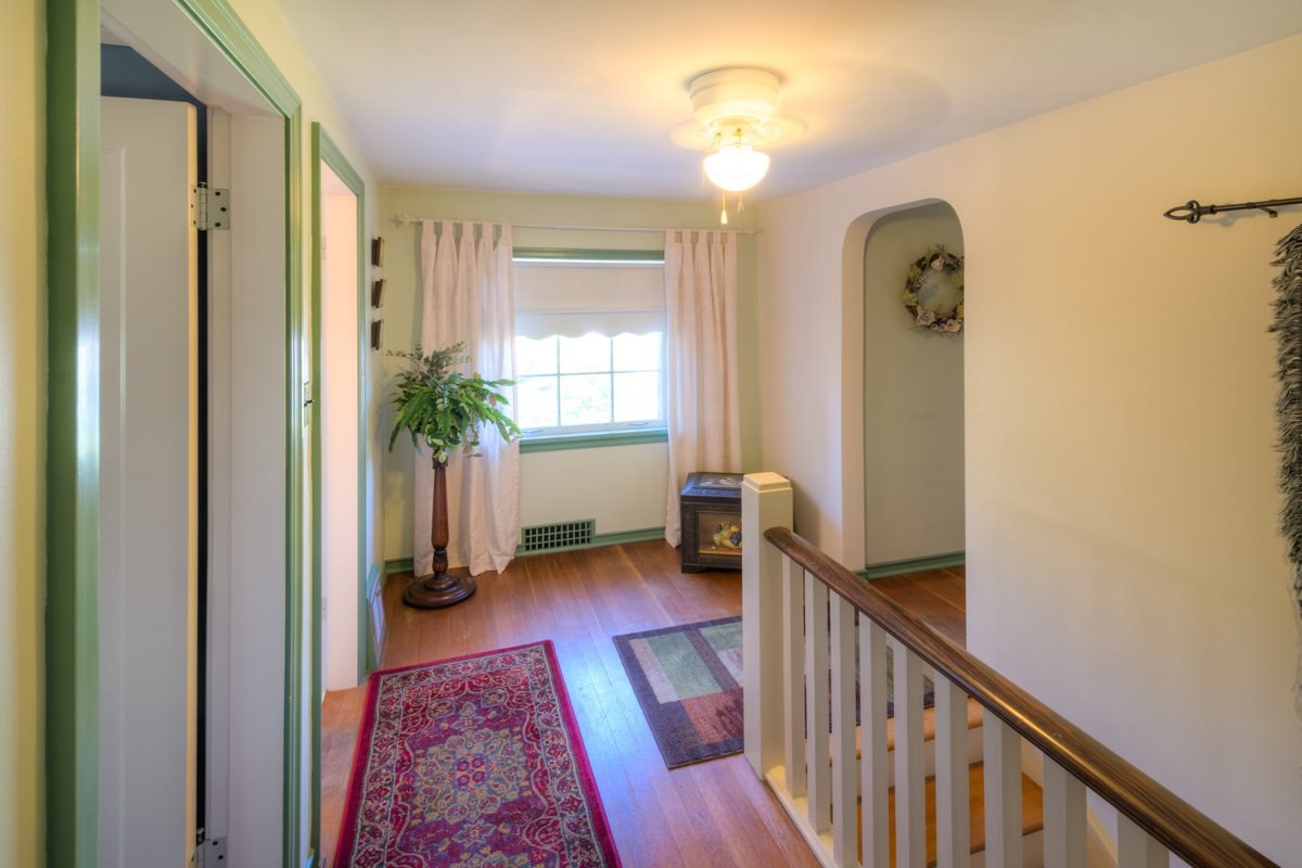 """Photo 12: Photos: 423 FOURTH Street in New Westminster: Queens Park House for sale in """"QUEENS PARK"""" : MLS®# R2116545"""