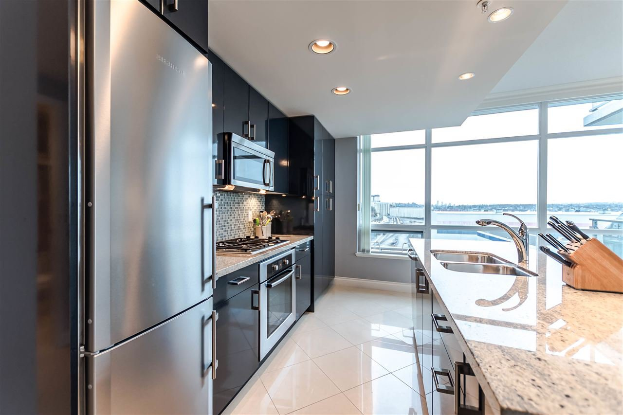 """Photo 7: Photos: 1004 172 VICTORY SHIP Way in North Vancouver: Lower Lonsdale Condo for sale in """"Atrium at the Pier"""" : MLS®# R2147061"""