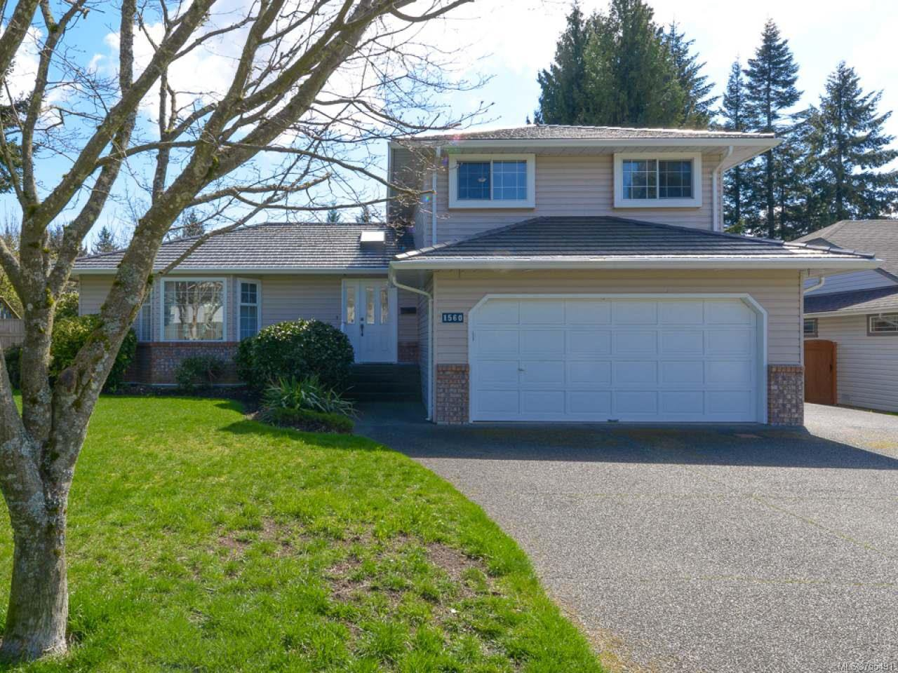Main Photo: 1560 Beaconsfield Cres in COMOX: CV Comox (Town of) House for sale (Comox Valley)  : MLS®# 755491