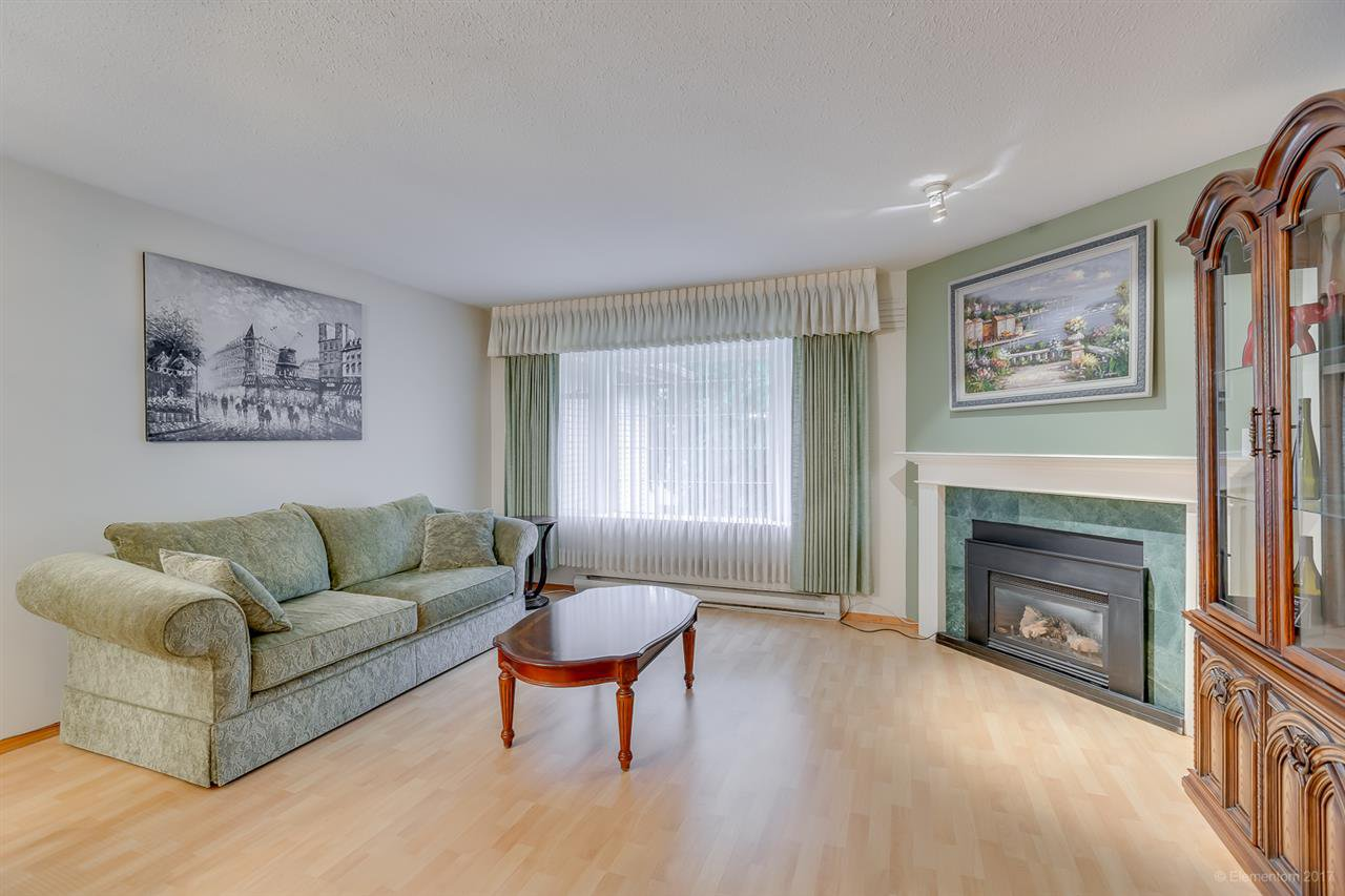 """Main Photo: 134 100 LAVAL Street in Coquitlam: Maillardville Townhouse for sale in """"PLACE LAVAL"""" : MLS®# R2174567"""