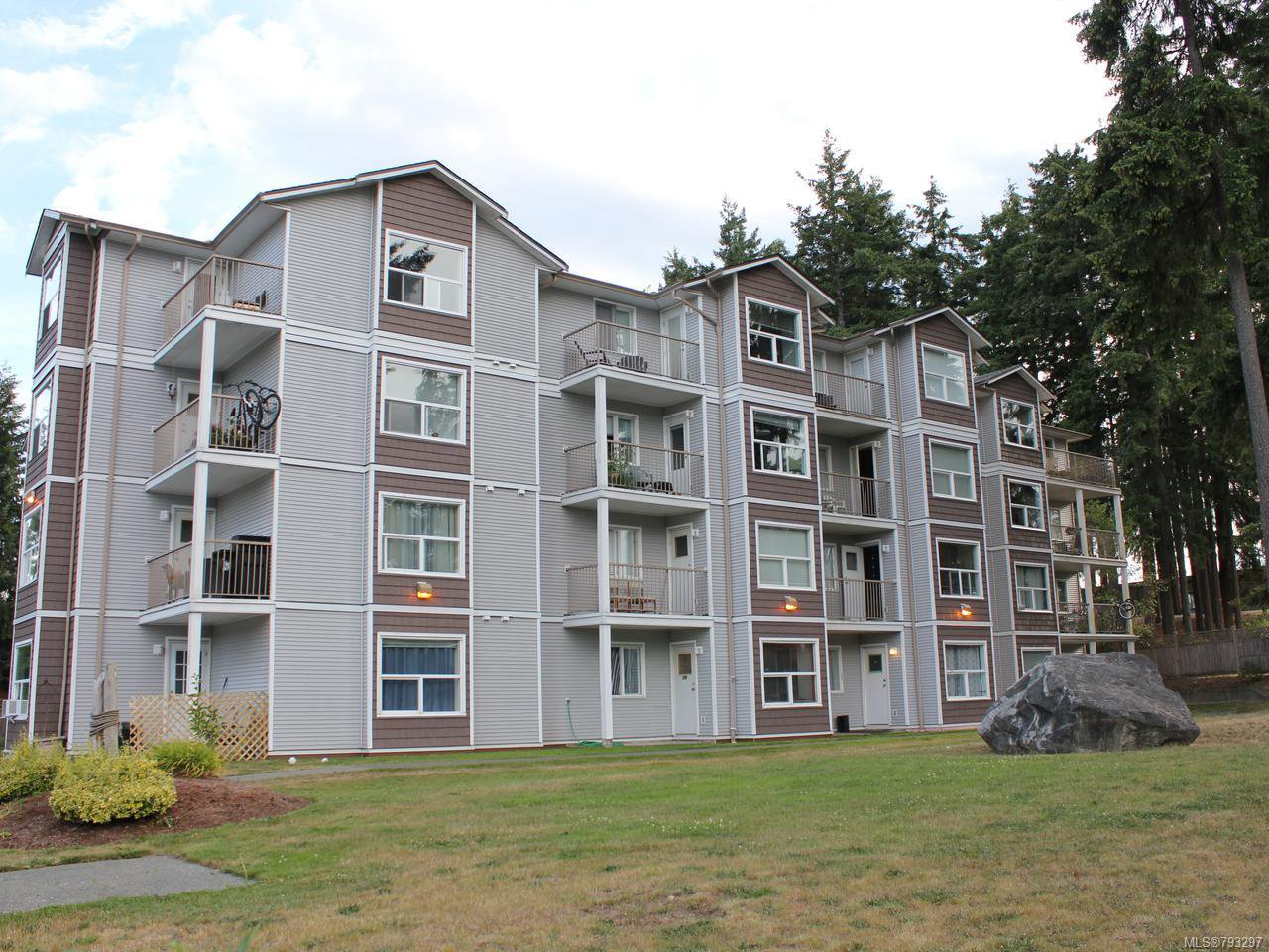 Main Photo: 207 282 BIRCH STREET in CAMPBELL RIVER: CR Campbell River Central Condo for sale (Campbell River)  : MLS®# 793297