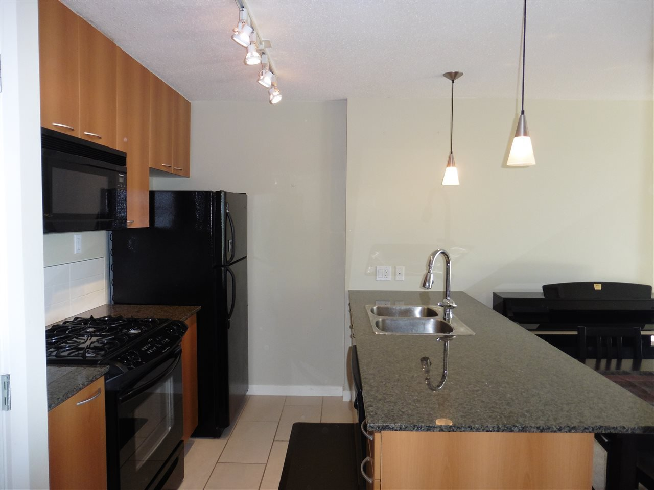 """Photo 14: Photos: 1101 7108 COLLIER Street in Burnaby: Highgate Condo for sale in """"ARCADIA WEST"""" (Burnaby South)  : MLS®# R2317674"""