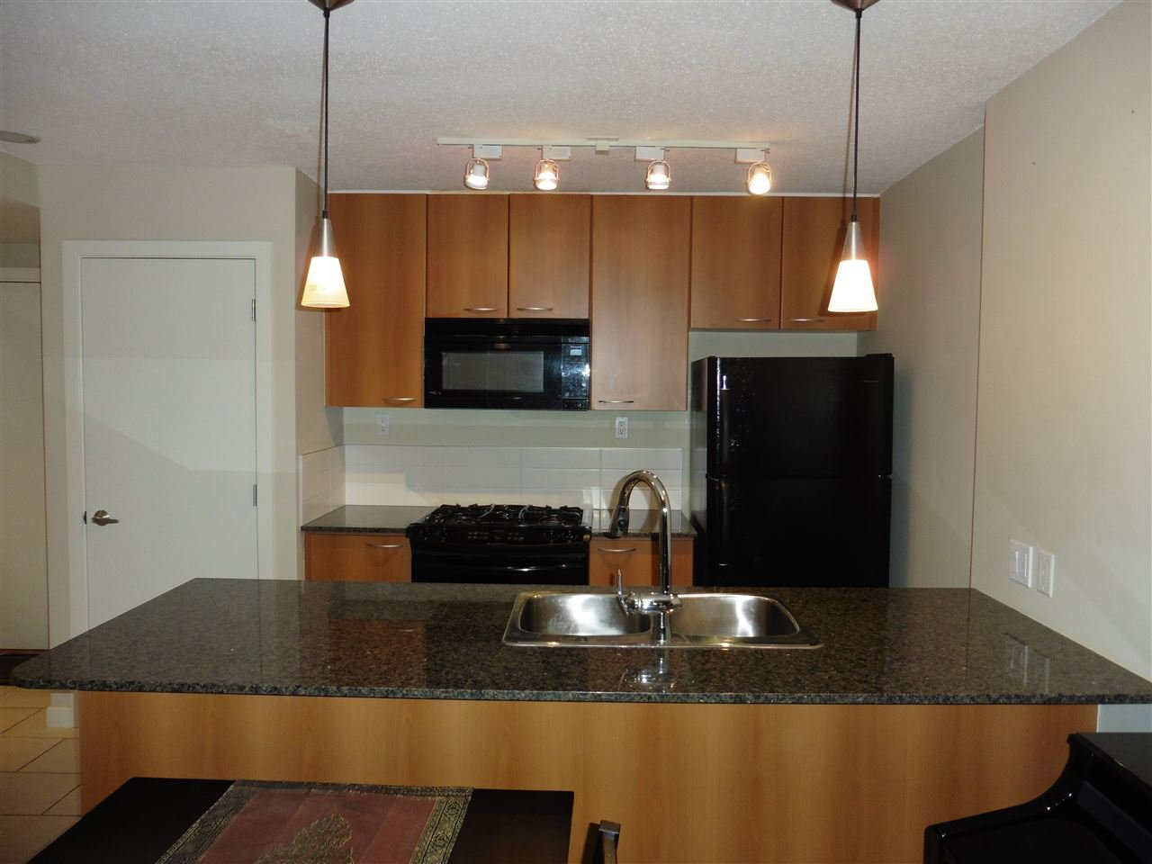 """Photo 4: Photos: 1101 7108 COLLIER Street in Burnaby: Highgate Condo for sale in """"ARCADIA WEST"""" (Burnaby South)  : MLS®# R2317674"""