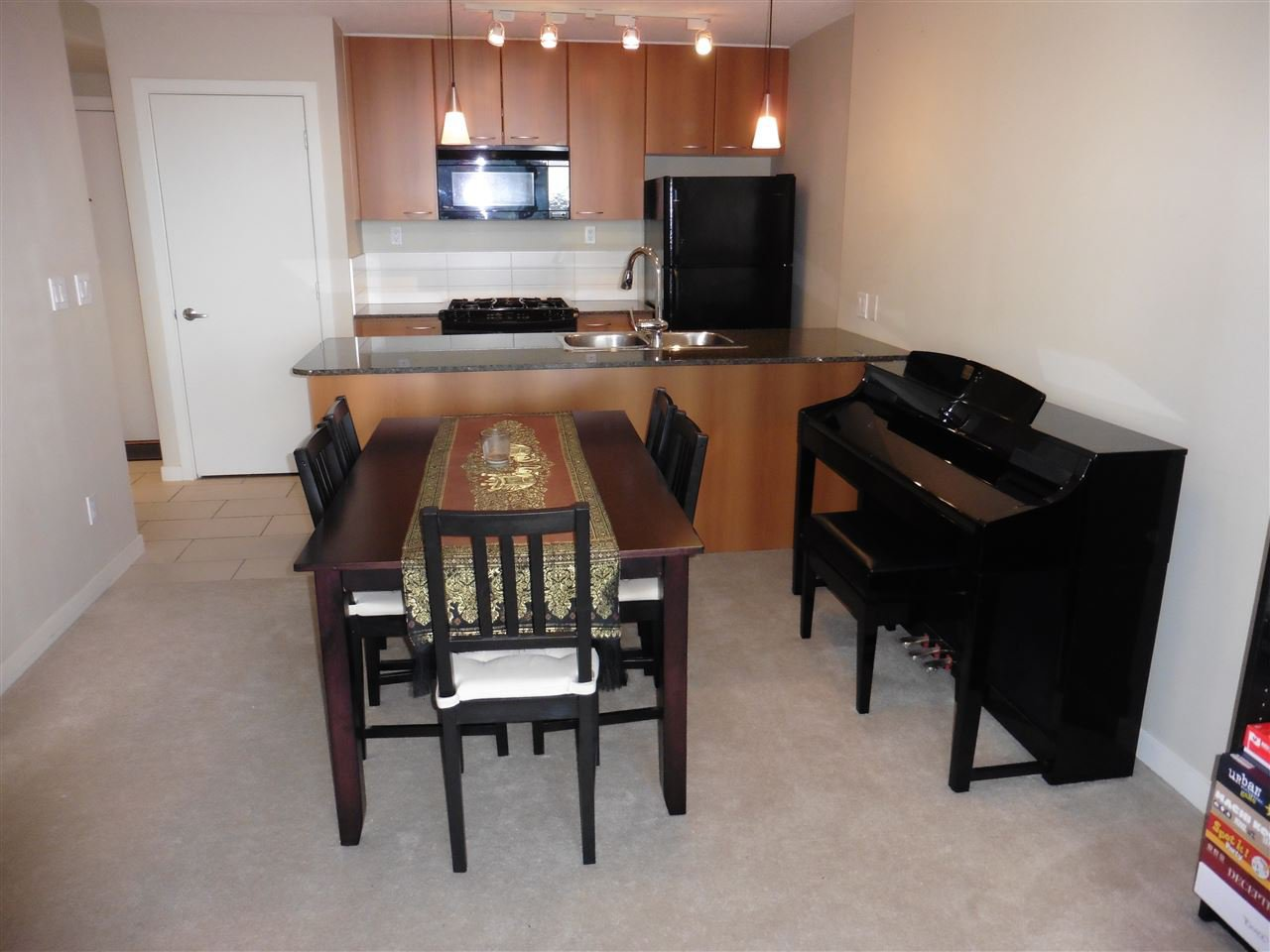 """Photo 3: Photos: 1101 7108 COLLIER Street in Burnaby: Highgate Condo for sale in """"ARCADIA WEST"""" (Burnaby South)  : MLS®# R2317674"""