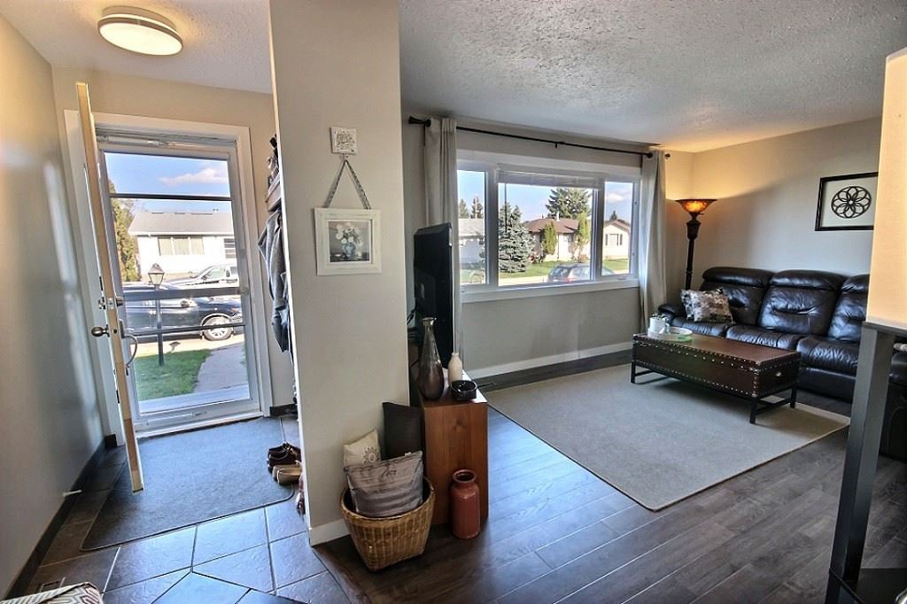 Main Photo: 13228 67 Street in Edmonton: Zone 02 House for sale : MLS®# E4166861