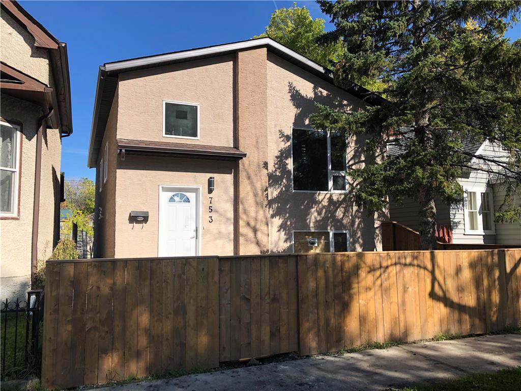 Main Photo: 753 Manitoba Avenue in Winnipeg: North End Residential for sale (4A)  : MLS®# 1922017