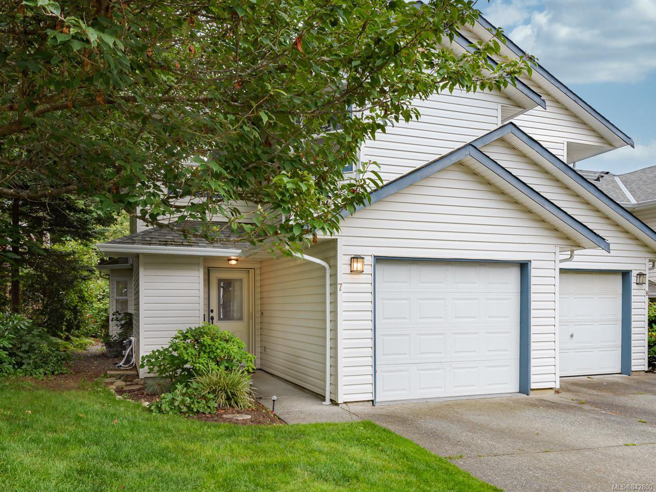 Main Photo: 7 2355 Valley View Dr in COURTENAY: CV Courtenay East Row/Townhouse for sale (Comox Valley)  : MLS®# 842800