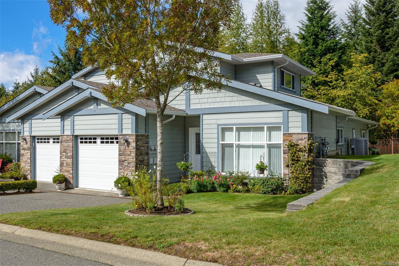 Main Photo: 75 2001 Blue Jay Pl in : CV Courtenay East Row/Townhouse for sale (Comox Valley)  : MLS®# 856920