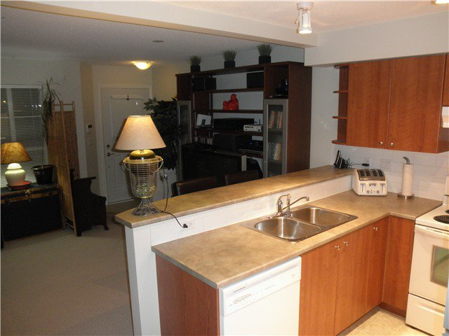 "Photo 4: Photos: # 23 7503 18TH ST in Burnaby: Edmonds BE Condo for sale in ""SOUTHBOROUGH"" (Burnaby East)  : MLS®# V963235"