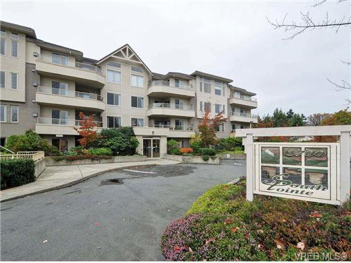 Main Photo: 203 3700 Carey Road in VICTORIA: SW Gateway Condo Apartment for sale (Saanich West)  : MLS®# 344116