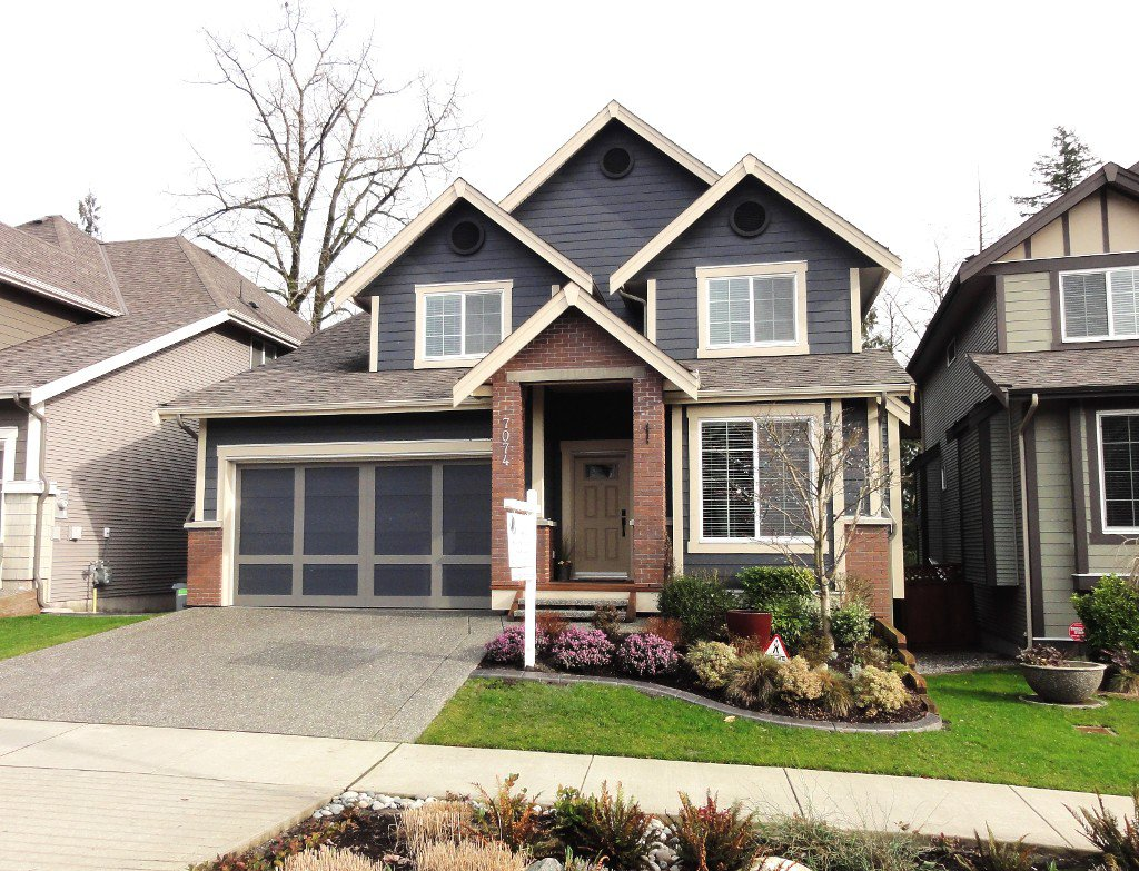 "Main Photo: 7074 208A Street in Langley: Willoughby Heights House for sale in ""MILNER HEIGHTS"" : MLS®# F1432322"