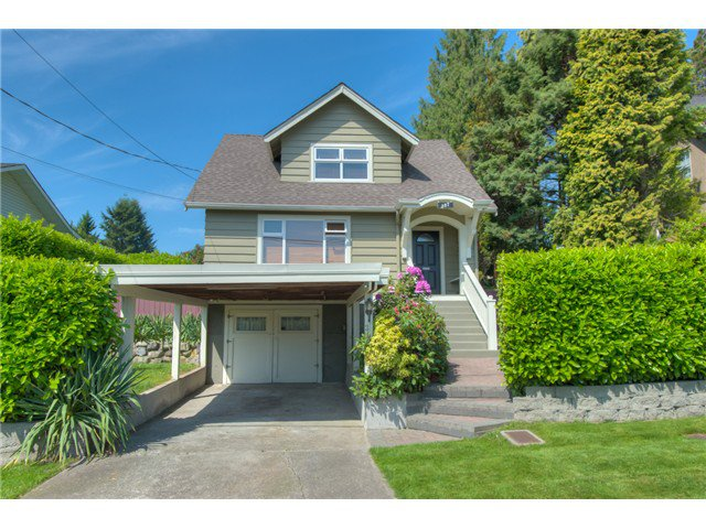 """Main Photo: 307 ARCHER Street in New Westminster: The Heights NW House for sale in """"THE HEIGHTS"""" : MLS®# V1124661"""