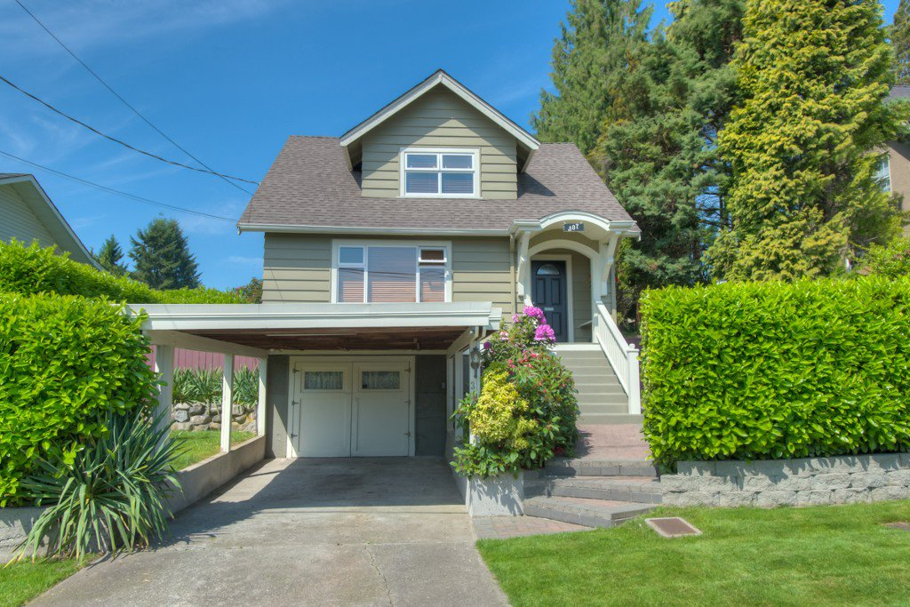 "Main Photo: 307 ARCHER Street in New Westminster: The Heights NW House for sale in ""THE HEIGHTS"" : MLS®# V1124661"