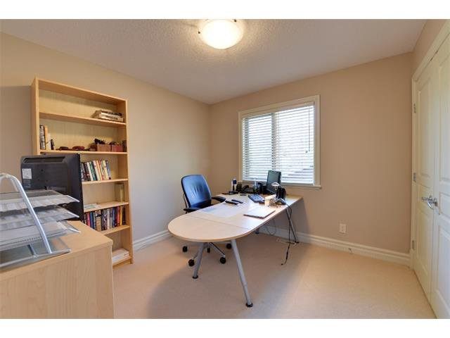 Photo 14: Photos: 740 22 Avenue NW in Calgary: Mount Pleasant House for sale : MLS®# C4016208