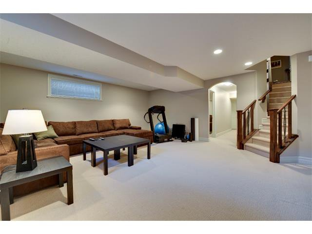 Photo 16: Photos: 740 22 Avenue NW in Calgary: Mount Pleasant House for sale : MLS®# C4016208