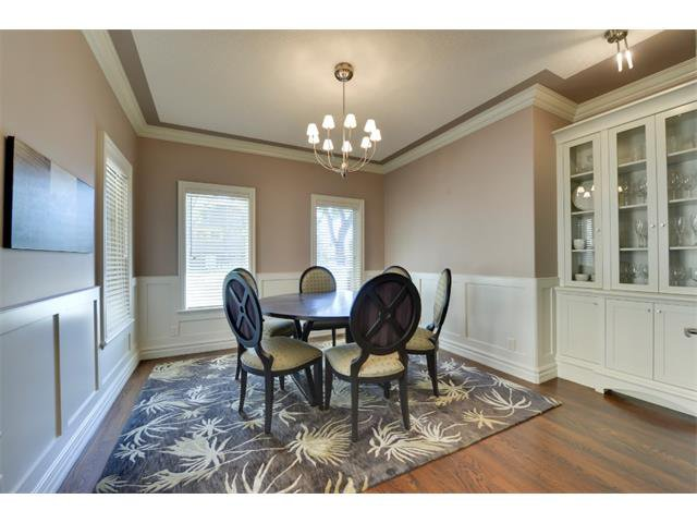 Photo 3: Photos: 740 22 Avenue NW in Calgary: Mount Pleasant House for sale : MLS®# C4016208