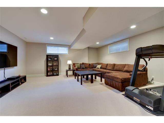 Photo 15: Photos: 740 22 Avenue NW in Calgary: Mount Pleasant House for sale : MLS®# C4016208