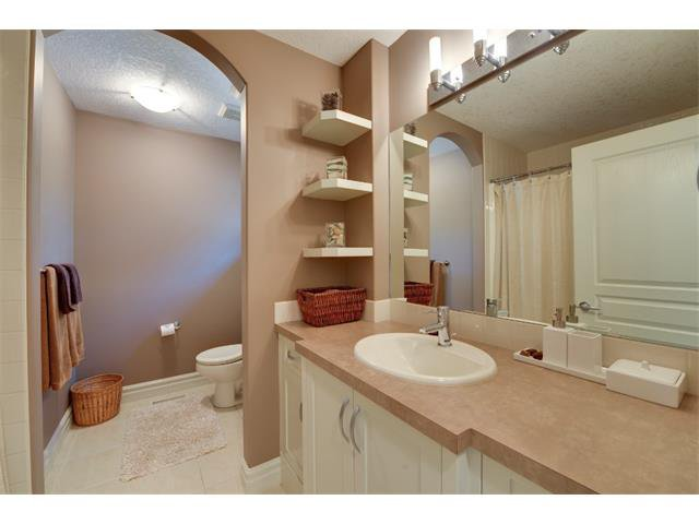 Photo 13: Photos: 740 22 Avenue NW in Calgary: Mount Pleasant House for sale : MLS®# C4016208