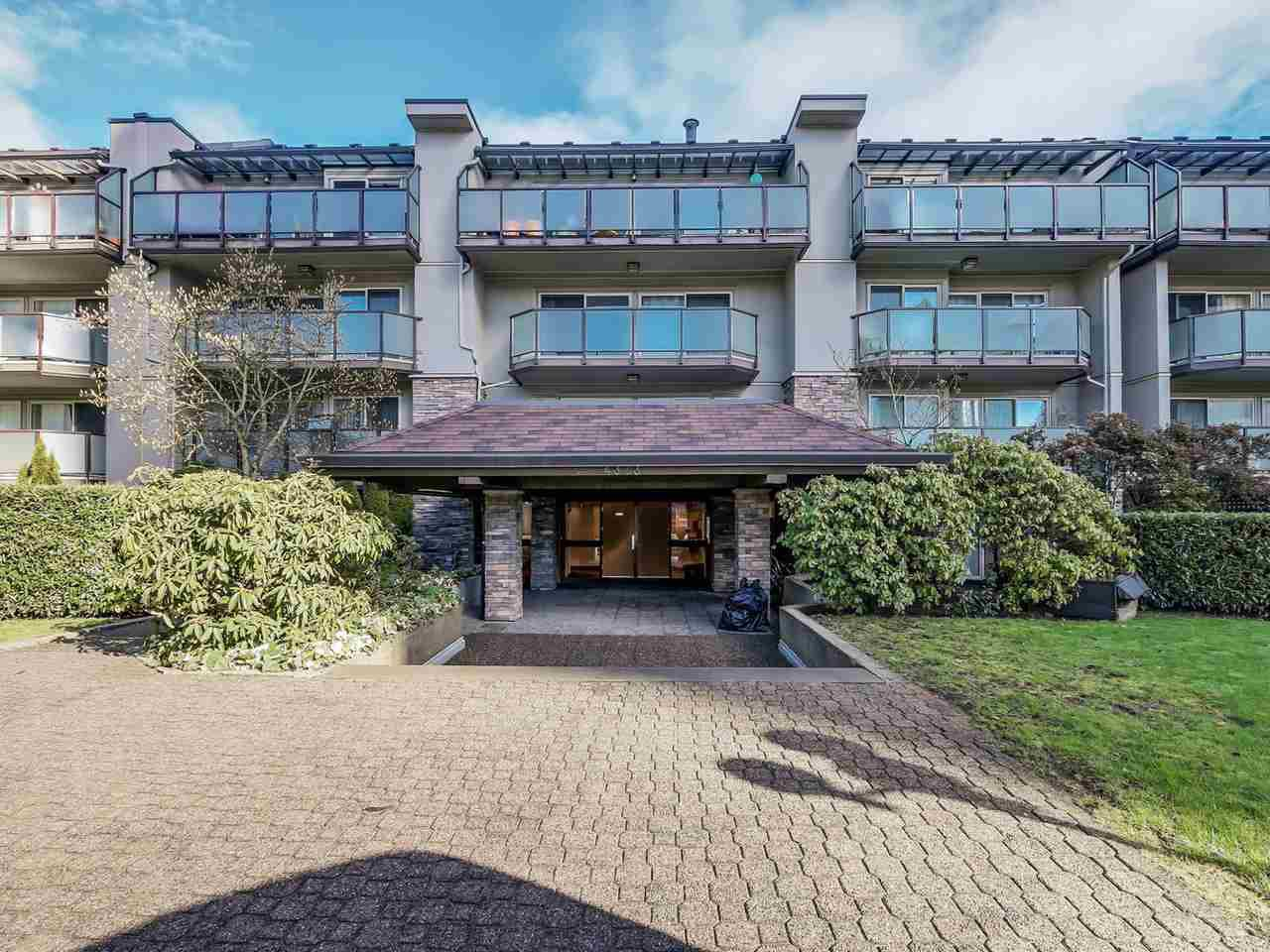 "Main Photo: 208 4373 HALIFAX Street in Burnaby: Brentwood Park Condo for sale in ""BRENT GARDENS"" (Burnaby North)  : MLS®# R2033256"