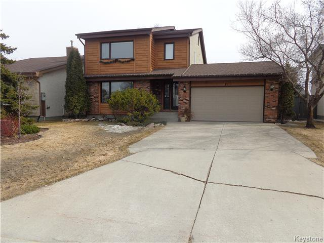 Main Photo: 11 Torrington Road in Winnipeg: Fort Garry / Whyte Ridge / St Norbert Residential for sale (South Winnipeg)  : MLS®# 1607540