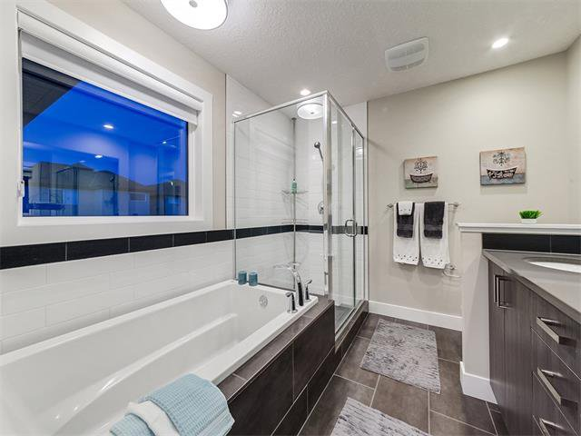 Photo 25: Photos: 30 EVANSVIEW Court NW in Calgary: Evanston House for sale : MLS®# C4105469