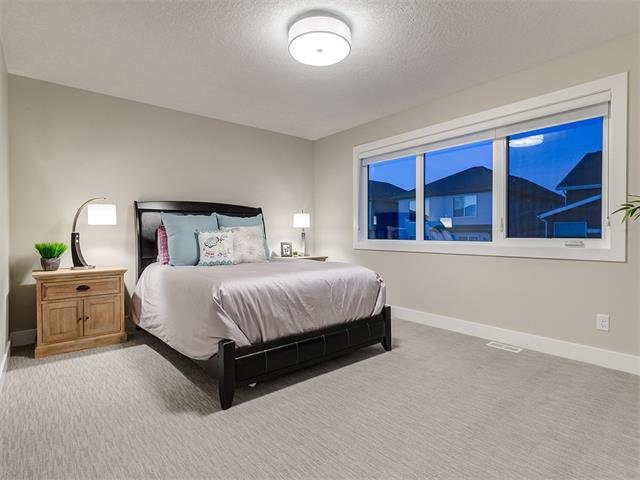 Photo 23: Photos: 30 EVANSVIEW Court NW in Calgary: Evanston House for sale : MLS®# C4105469