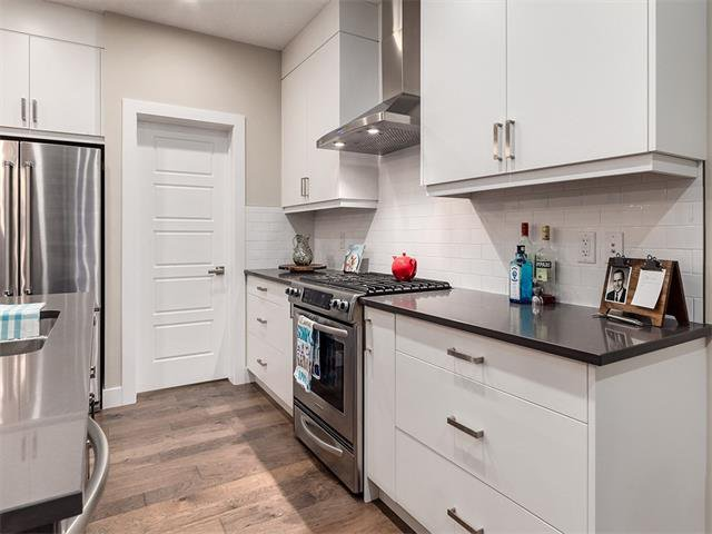 Photo 9: Photos: 30 EVANSVIEW Court NW in Calgary: Evanston House for sale : MLS®# C4105469