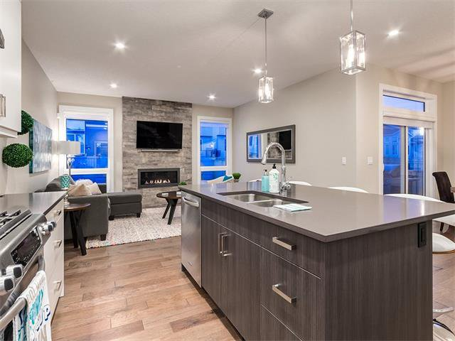 Photo 5: Photos: 30 EVANSVIEW Court NW in Calgary: Evanston House for sale : MLS®# C4105469