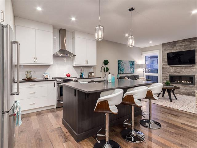 Photo 7: Photos: 30 EVANSVIEW Court NW in Calgary: Evanston House for sale : MLS®# C4105469