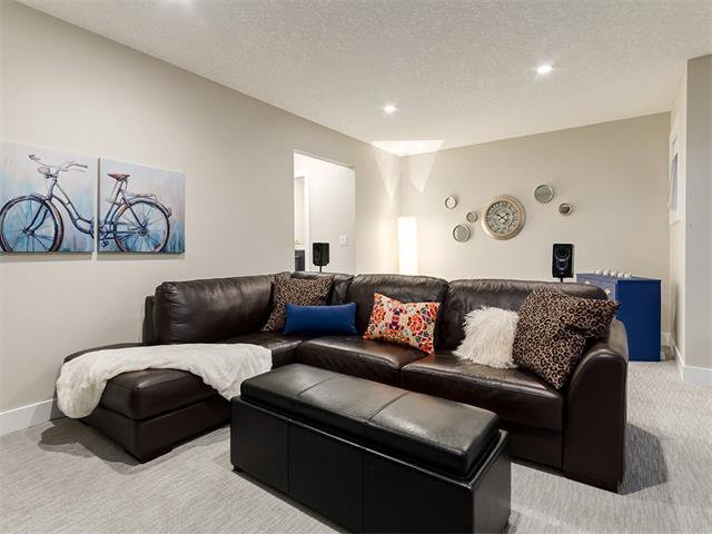 Photo 32: Photos: 30 EVANSVIEW Court NW in Calgary: Evanston House for sale : MLS®# C4105469