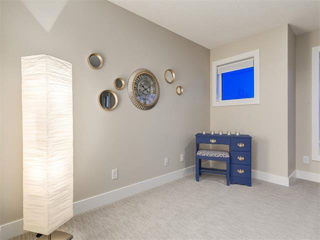 Photo 34: Photos: 30 EVANSVIEW Court NW in Calgary: Evanston House for sale : MLS®# C4105469