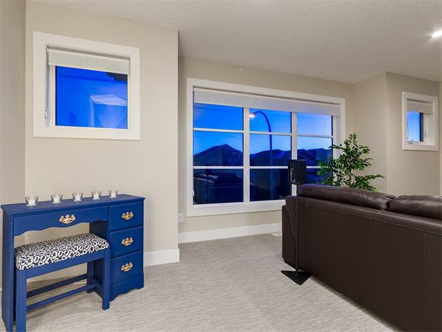Photo 33: Photos: 30 EVANSVIEW Court NW in Calgary: Evanston House for sale : MLS®# C4105469
