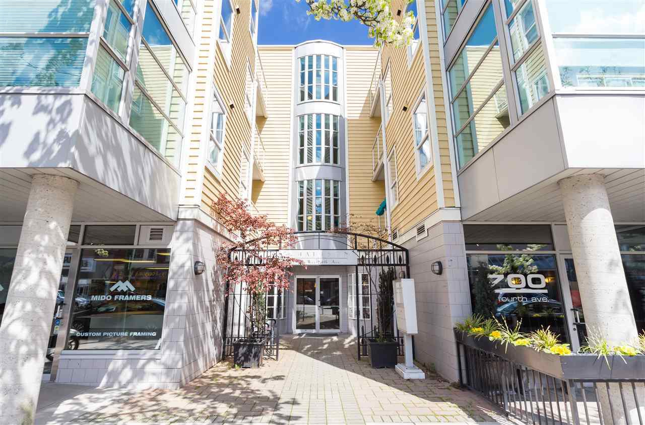 Main Photo: 206 2929 W 4TH Avenue in Vancouver: Kitsilano Condo for sale (Vancouver West)  : MLS®# R2158772