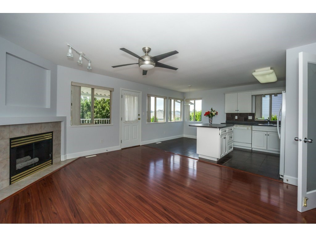 Photo 8: Photos: 3339 Siskin Dr - Upper in Abbotsford: House for rent