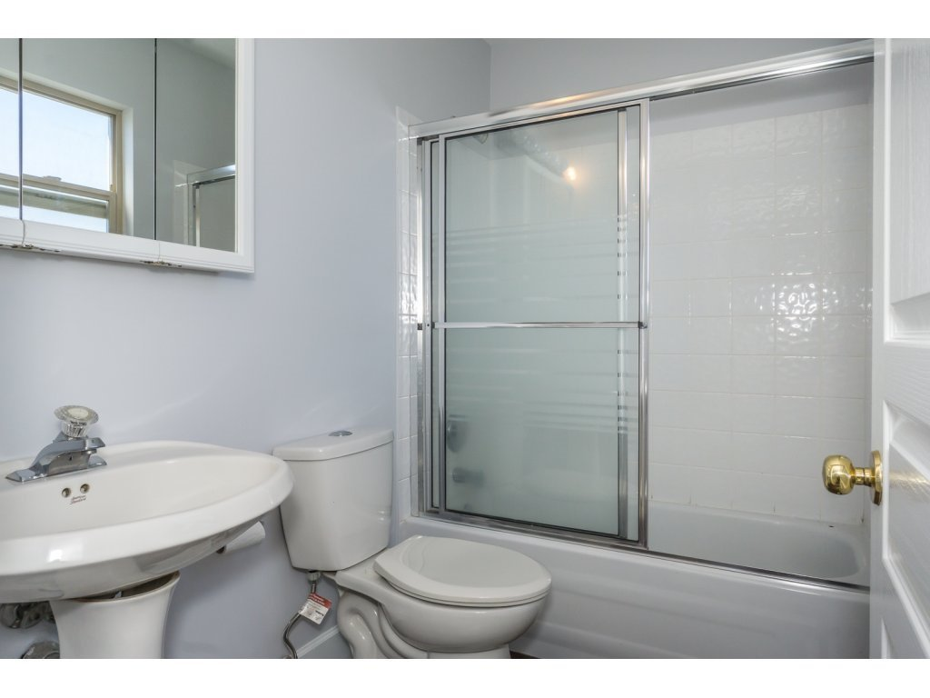 Photo 15: Photos: 3339 Siskin Dr - Upper in Abbotsford: House for rent