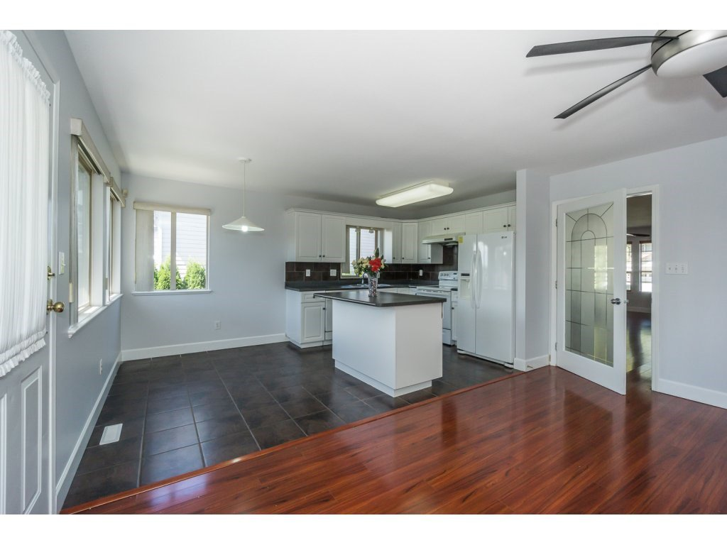 Photo 7: Photos: 3339 Siskin Dr - Upper in Abbotsford: House for rent