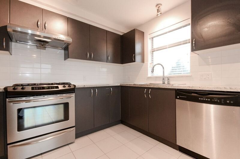 Main Photo: 305 9288 ODLIN ROAD in Richmond: West Cambie Condo for sale : MLS®# R2216343