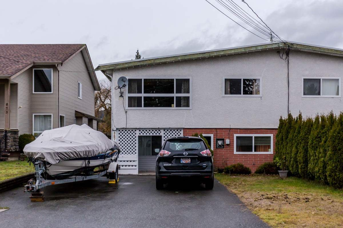 Main Photo: 867 WRIGHT Avenue in Port Coquitlam: Lincoln Park PQ House 1/2 Duplex for sale : MLS®# R2228873