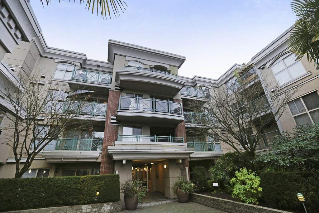 Main Photo: 316 332 LONSDALE AVENUE in North Vancouver: Lower Lonsdale Condo for sale : MLS®# R2224894
