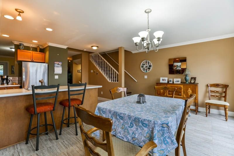 Photo 9: Photos: 20 46858 RUSSELL Road in Sardis: Promontory Townhouse for sale : MLS®# R2261409